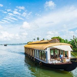 boat-in-kochi