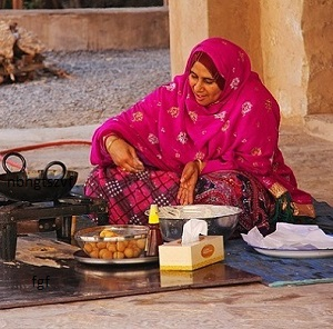 oman-lady-cooking